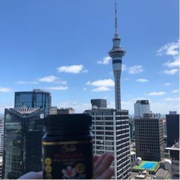 マヌカハニーとオークランドタワー